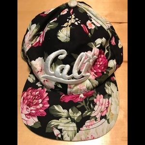 Accessories - Cute Black Cali Floral SnapBack Adjustable Hat Cap